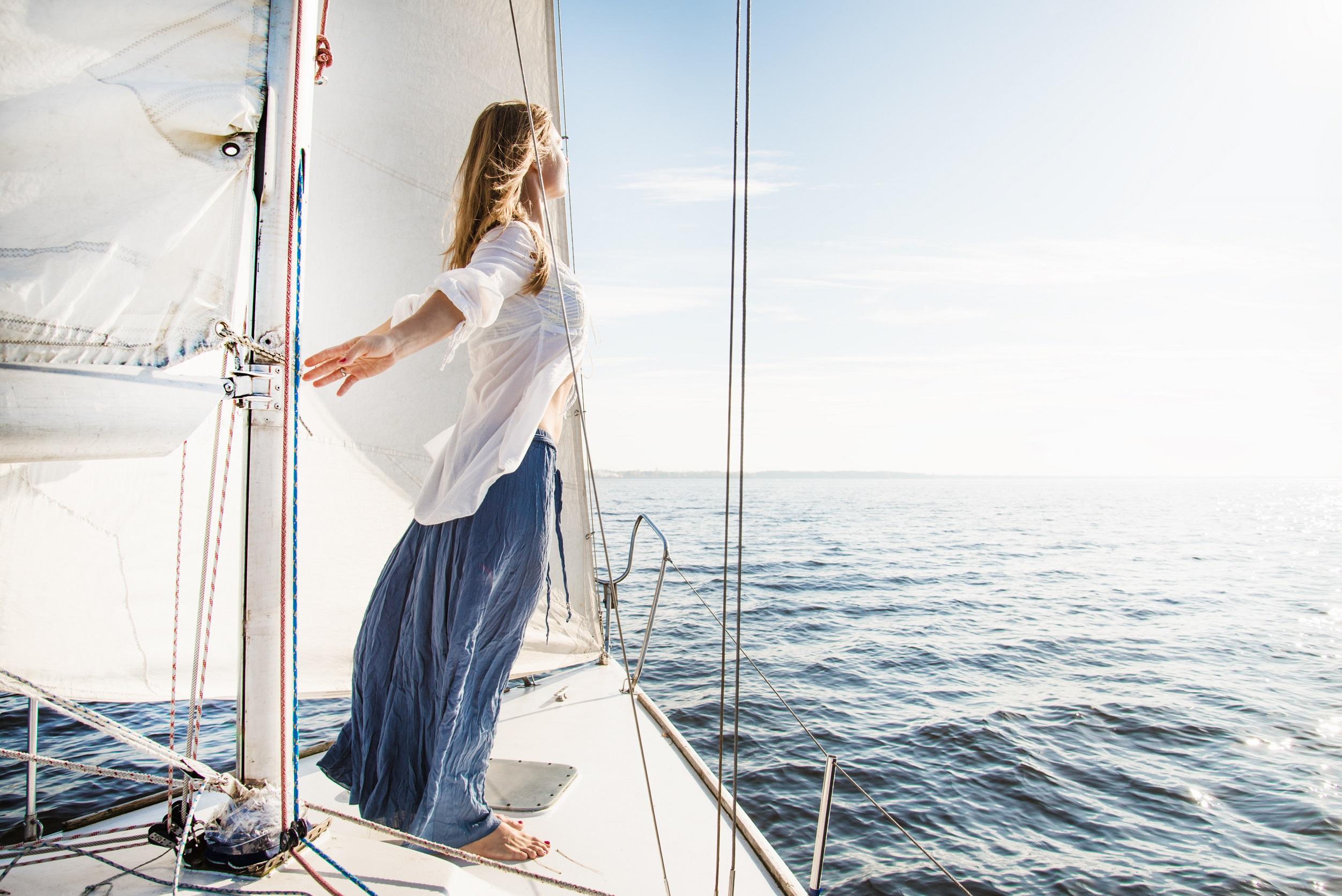 Круизы и фрахтование яхт